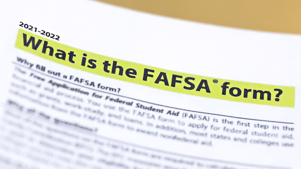 What is the FAFSA form?